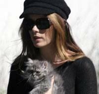 Kate Beckinsale - cat - Wabbit