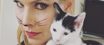 Celebrity couple uses 90 million dollar fortune to foster hundreds of cats